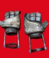 Quake Gloves Supah Ninjas